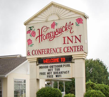 Honeysuckle Inn - Branson